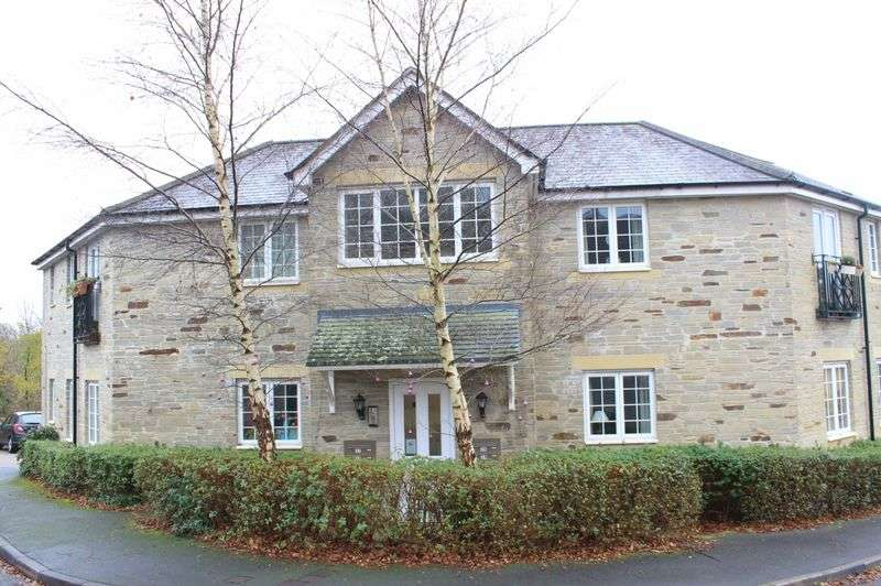 2 Bedrooms Flat for sale in Dartmoor View, Pillmere, Saltash