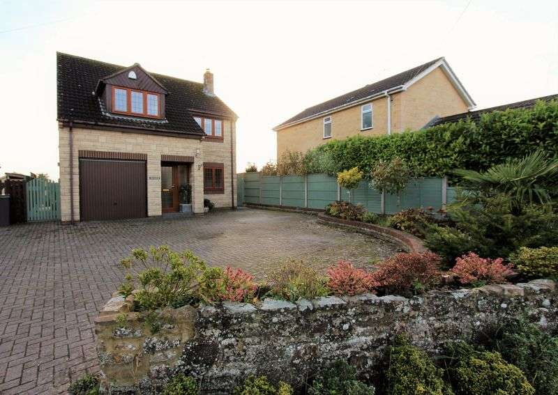 4 Bedrooms Detached House for sale in Damery Lane, Woodford