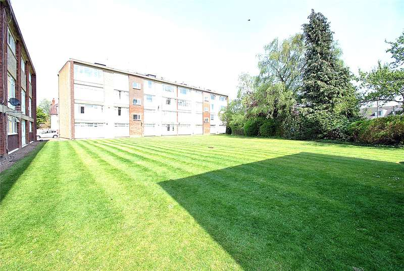 2 Bedrooms Apartment Flat for sale in Park Farm Close, East Finchley, London, N2