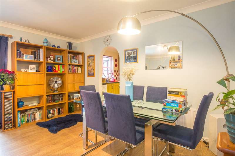 2 Bedrooms Apartment Flat for sale in Cricketers Close, Southgate, London, N14
