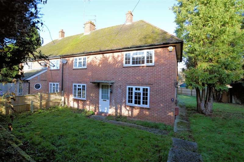 3 Bedrooms Semi Detached House for rent in Pinchcut, Burghfield Common, Reading, RG7