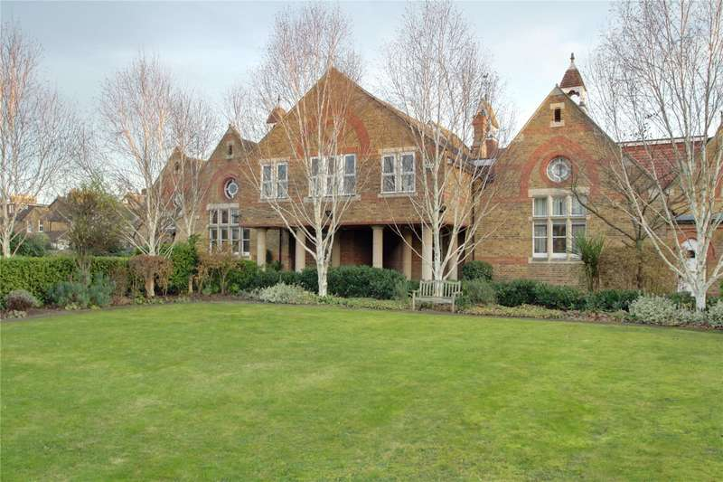 2 Bedrooms Apartment Flat for sale in Old School Mews, Staines Upon Thames, Middlesex, TW18
