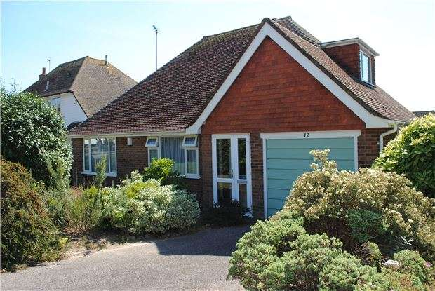 2 Bedrooms Detached Bungalow for sale in Grenada Close, Bexhill-On-Sea, East Sussex, TN39 3TN
