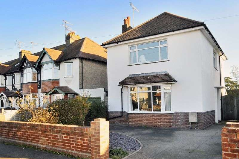 3 Bedrooms Detached House for sale in Balcombe Avenue, Worthing
