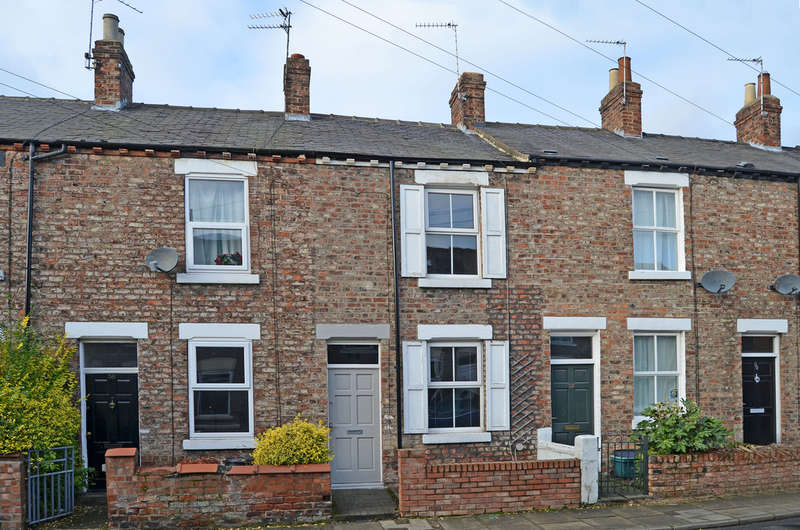 2 Bedrooms Terraced House for sale in Dale Street, Off Nunnery Lane, York