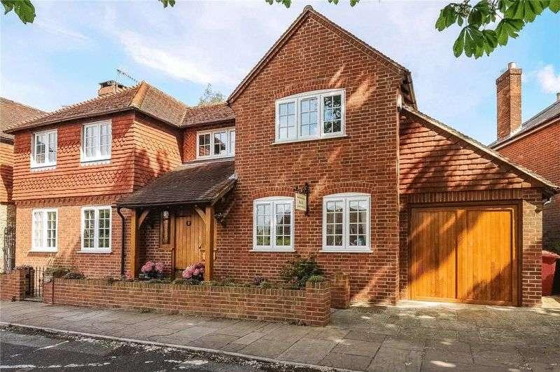 4 Bedrooms Detached House for sale in Billingshurst Road, Wisborough Green