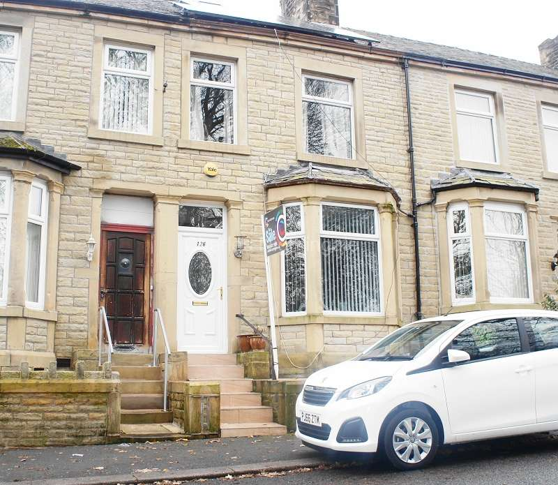 4 Bedrooms Terraced House for sale in Brunswick Street, Nelson, Lancashire. BB9 0SQ