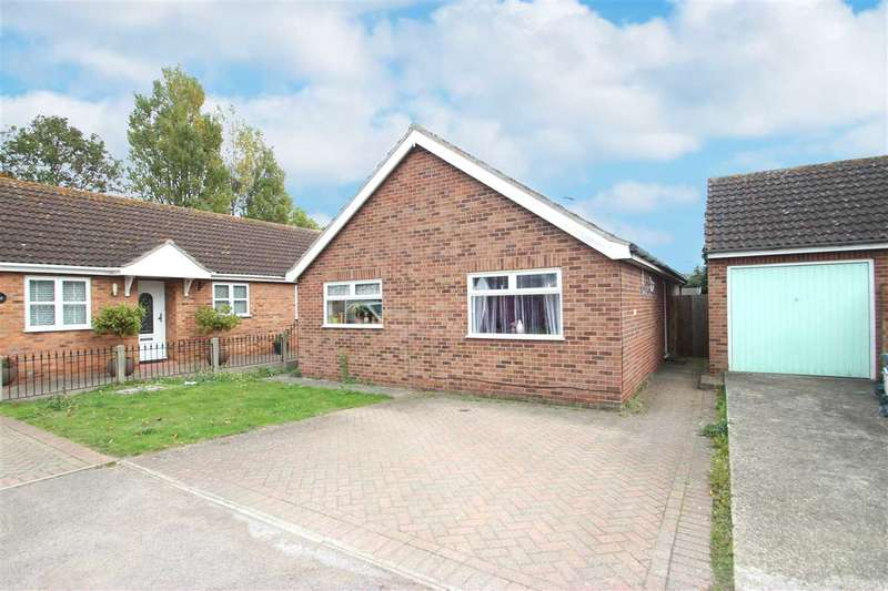 2 Bedrooms Bungalow for sale in Gorse Lane, Clacton-On-Sea