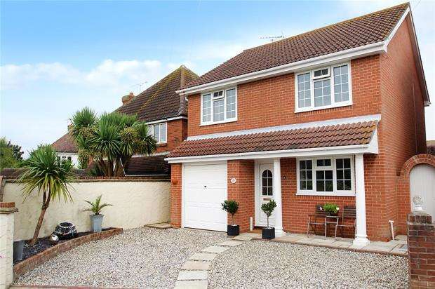 4 Bedrooms Detached House for sale in The Circle, Angmering-On-Sea Estate, East Preston, West Sussex, BN16