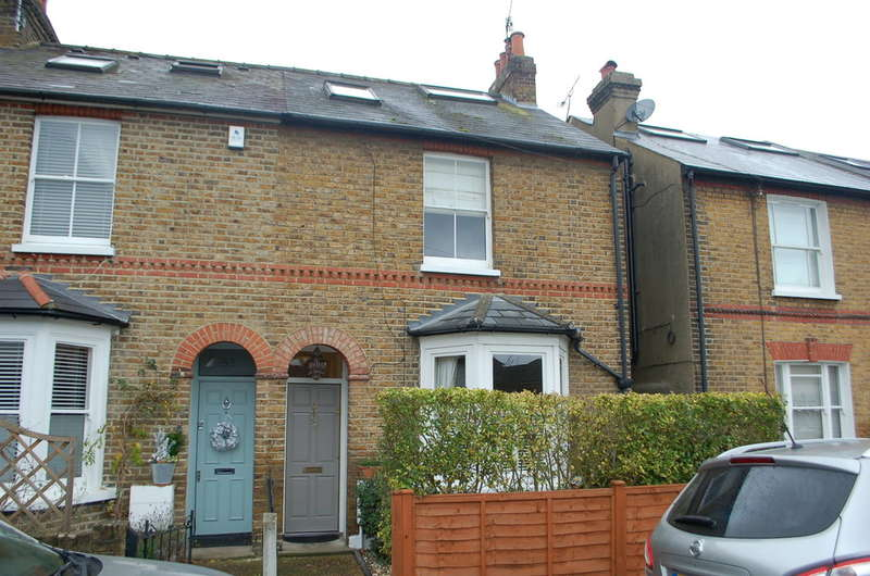 3 Bedrooms End Of Terrace House for sale in Hampton
