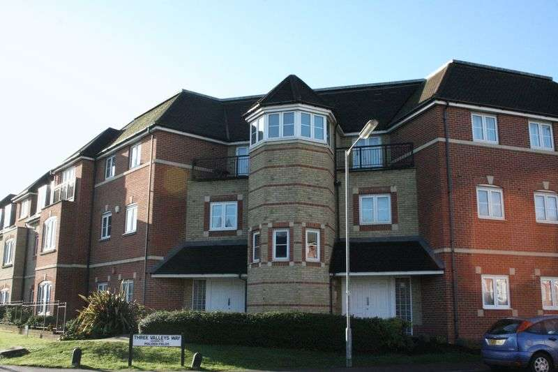 2 Bedrooms Flat for sale in Wellsfield, Bushey