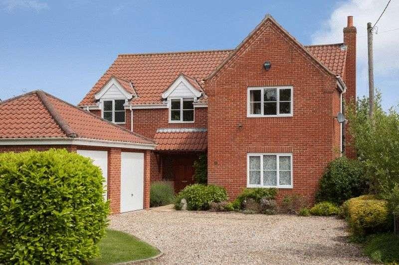 4 Bedrooms Detached House for sale in Brundall, Norfolk