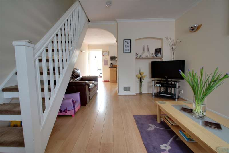 2 Bedrooms Terraced House for sale in Tucker Road, Ottershaw, Surrey, KT16