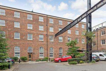 3 Bedrooms Flat for sale in Cook Street, Tradeston