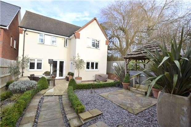 4 Bedrooms Detached House for sale in Mill Lane, Brockworth
