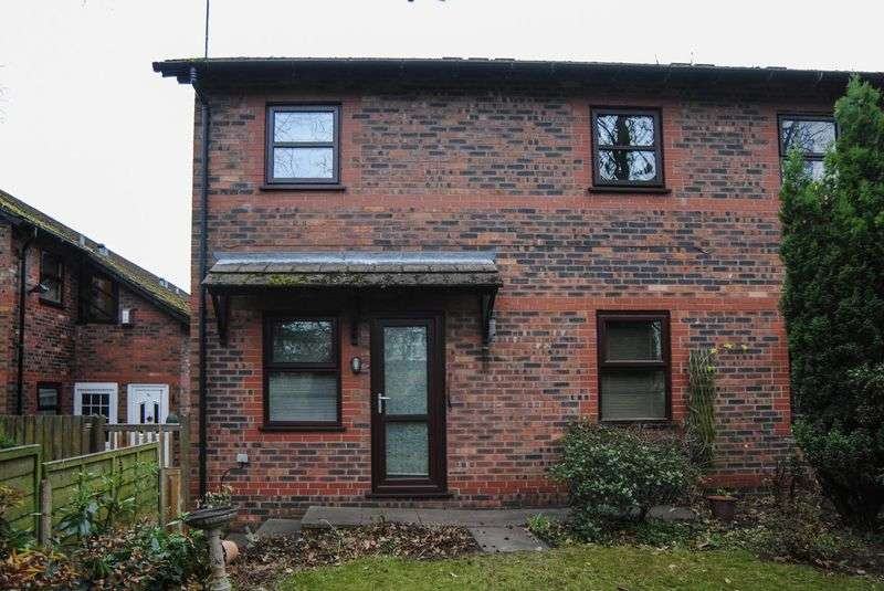 1 Bedroom Flat for sale in Rogerstone Avenue, Penkhull, Stoke-On-Trent, ST4 5JP