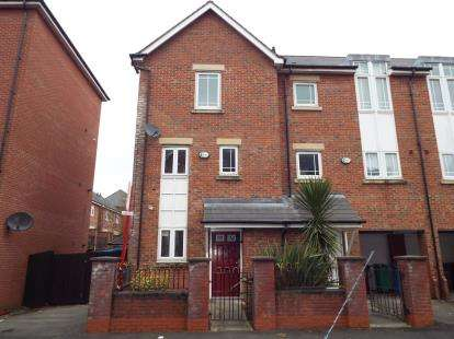 4 Bedrooms Terraced House for sale in Mackworth Street, Manchester, Greater Manchester