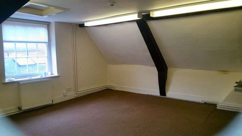 Commercial Property for rent in South Church House, 25-26 Market Place, Newark