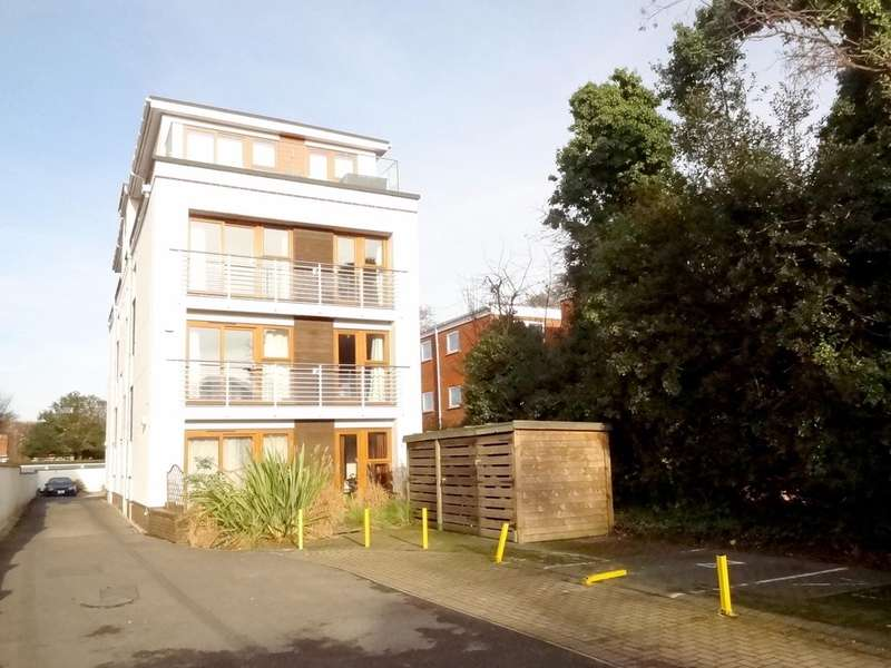 2 Bedrooms Flat for sale in Park Towers