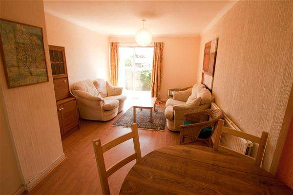 4 Bedrooms Terraced House for sale in Sandhurst Close, Canterbury