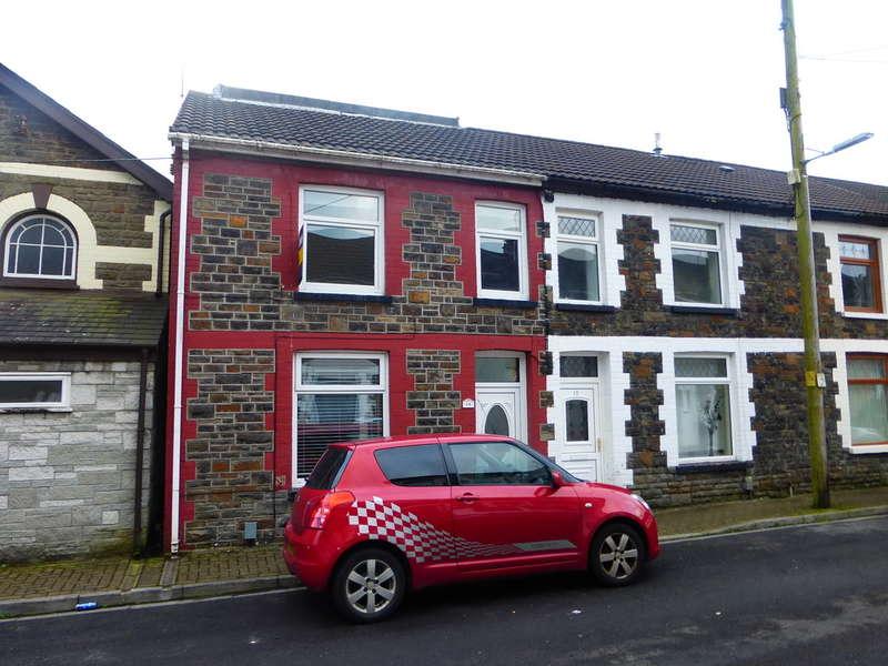 3 Bedrooms End Of Terrace House for sale in Vaughan Street, Pontypridd