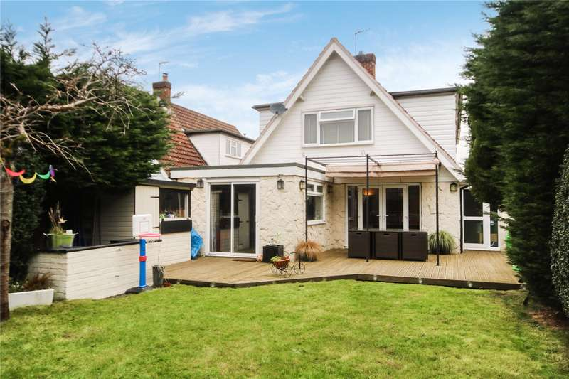 4 Bedrooms Detached House for sale in Waverley Drive, Chertsey, KT16