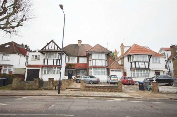 4 Bedrooms Semi Detached House for sale in The Avenue, Queens Park, London