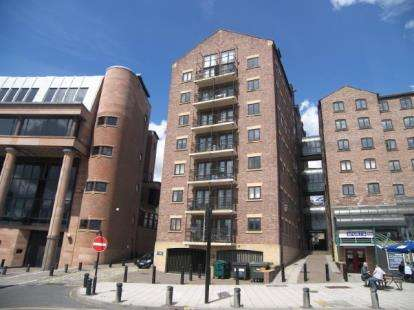 3 Bedrooms Flat for sale in Love Lane, Quayside, Newcastle Upon Tyne, NE1