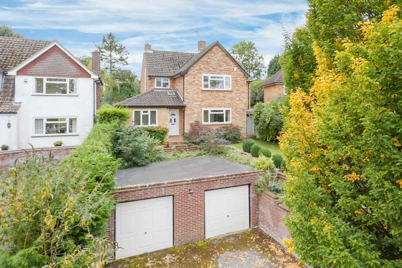 4 Bedrooms Detached House for sale in Upper Hall Park, Berkhamsted