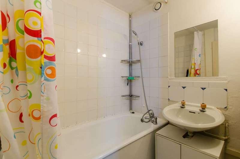 2 Bedrooms Flat for sale in Strasburg Road, Battersea, SW11