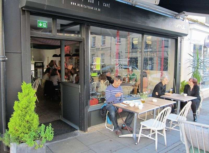 Property for sale in Beautiful leasehold cafe bar