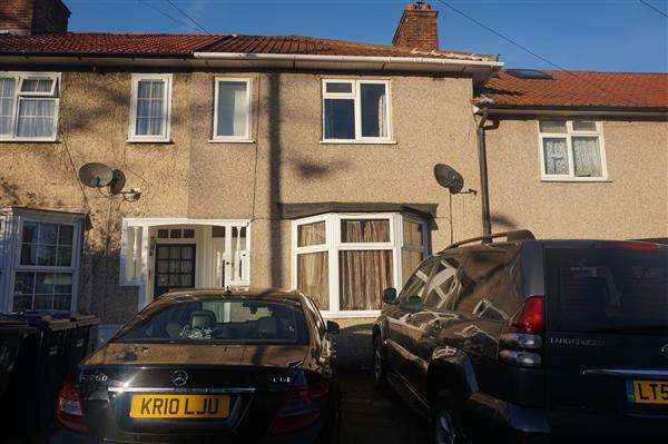 2 Bedrooms Terraced House for sale in Abbots Road, Edgware