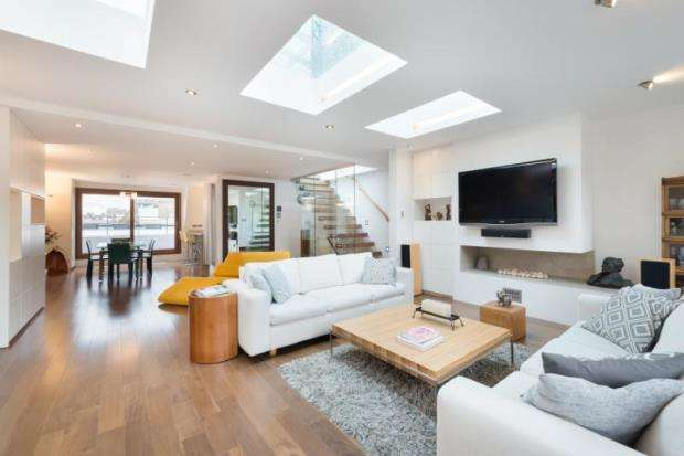3 Bedrooms Maisonette Flat for sale in Cornwall Gardens, London, SW7