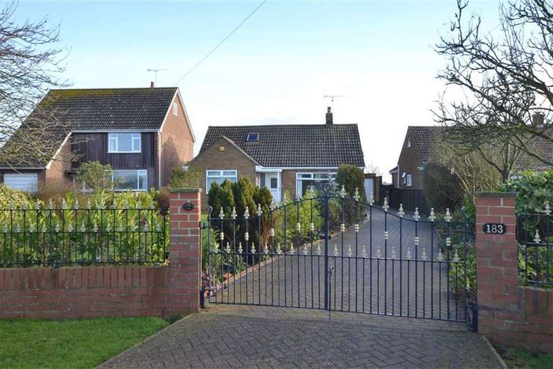 2 Bedrooms Property for sale in Southsea Road, Flamborough, East Riding Of Yorkshire, YO15