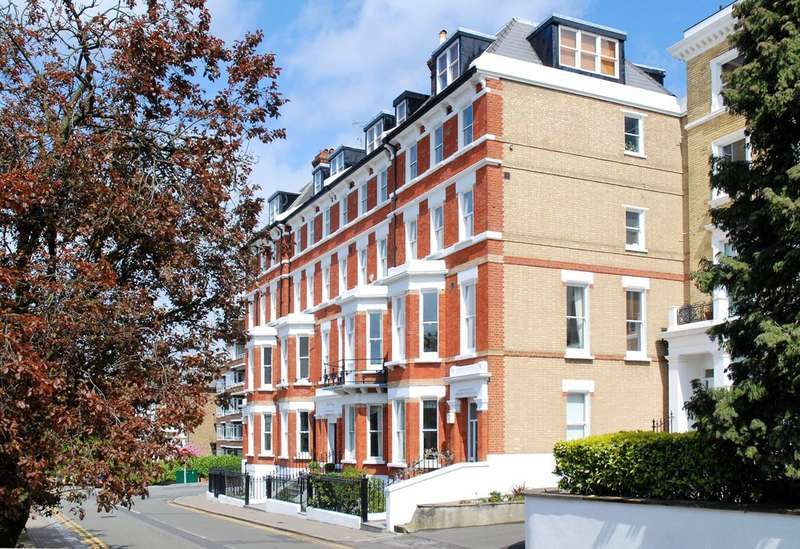 2 Bedrooms Flat for sale in Richmond Hill, Richmond Hill, TW10