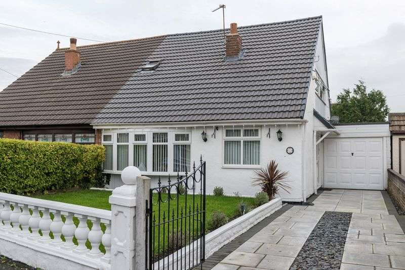 4 Bedrooms Semi Detached Bungalow for sale in Debra Close, Melling
