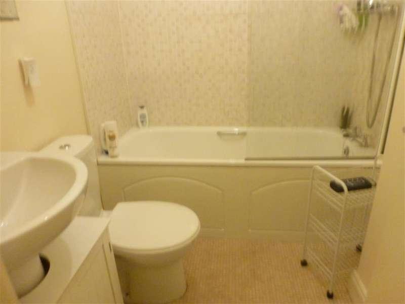 2 Bedrooms Apartment Flat for sale in Longford Road, Bognor Regis, West Sussex