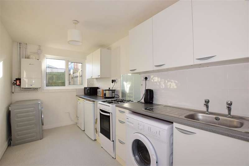 3 Bedrooms Terraced House for sale in Achilles Road, Lords Wood, Chatham, Kent