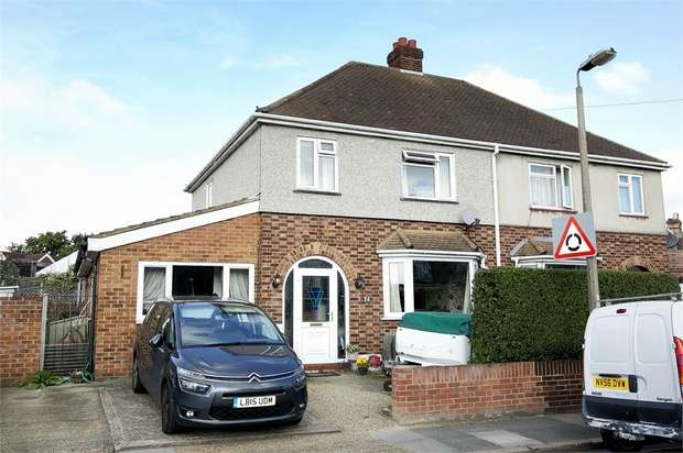 4 Bedrooms Semi Detached House for sale in Nelson Road, Twickenham, Middlesex
