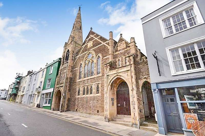 2 Bedrooms Flat for sale in Victoria Heights, Norman Road, St Leonards On Sea, TN38