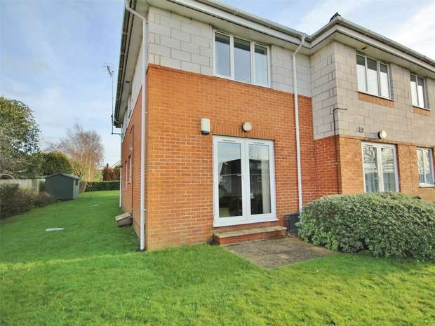 2 Bedrooms Flat for sale in Willow Grange, 68 Oakdale Road, POOLE, Dorset