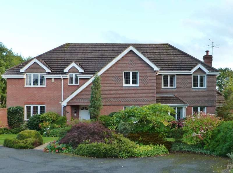 6 Bedrooms Detached House for sale in Merebrook Close, Malvern, WR14