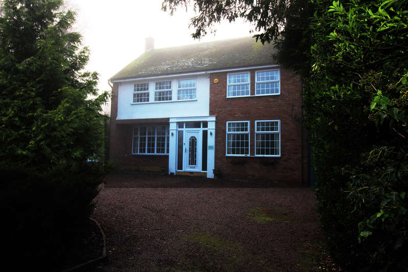 4 Bedrooms Detached House for sale in St. Johns Avenue, Kidderminster, Kidderminster, DY11