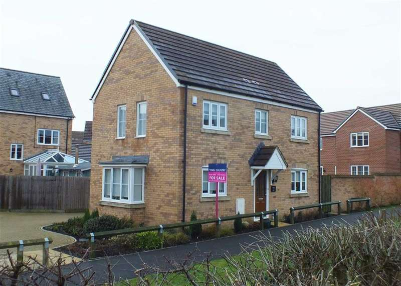 3 Bedrooms Property for sale in Heron Walk, Trowbridge, Wiltshire, BA14