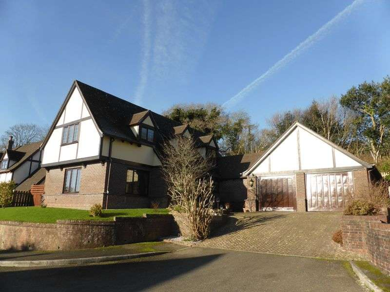 4 Bedrooms Detached House for sale in 4 Knights Court, Lostwithiel