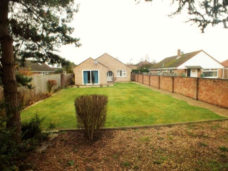 3 Bedrooms Detached Bungalow for sale in Hardwick Avenue, Kidlington