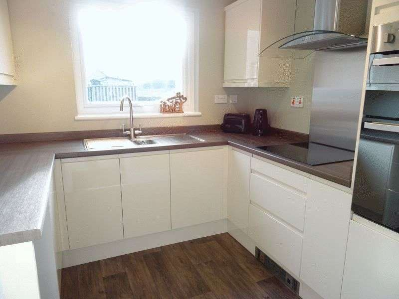 2 Bedrooms Flat for sale in The Hallsteads, Ashbourne