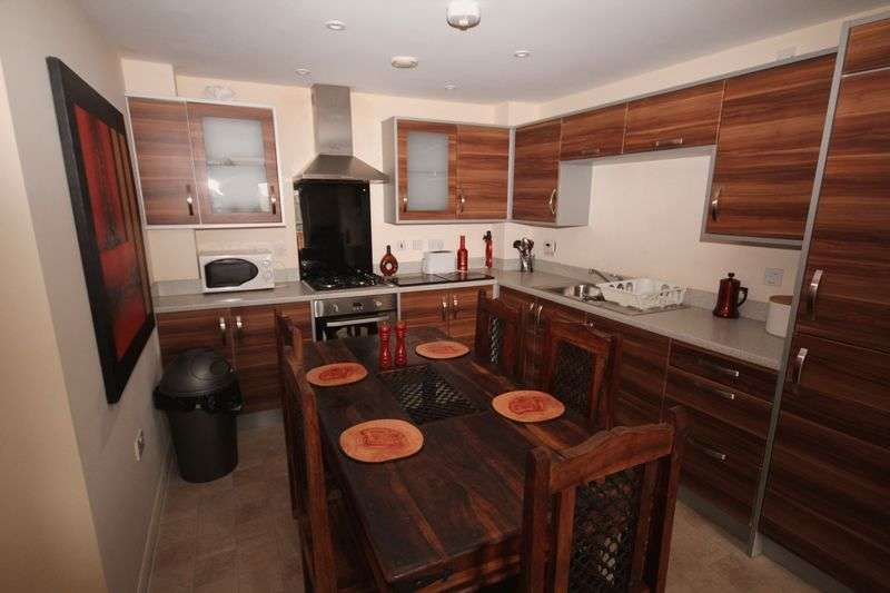 2 Bedrooms Flat for sale in Ffordd James McGhan, Cardiff Bay