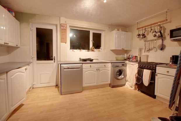 3 Bedrooms Terraced House for sale in Beck Road, Brough, North Humberside, HU15 2JJ