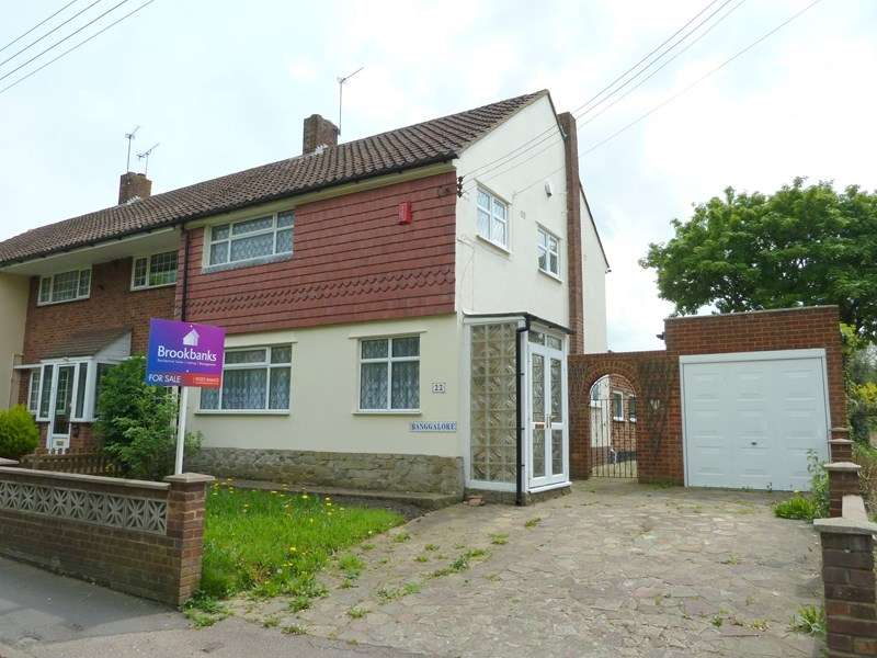 3 Bedrooms Semi Detached House for sale in Cray Road, Crockenhill